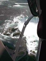(Thumbnail) Aerial view of the Horseshoe Falls seen from a helicopter (image/jpeg)