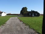 (Thumbnail) Buildings and a cannon in Fort George, Niagara-on-the-Lake (image/jpeg)