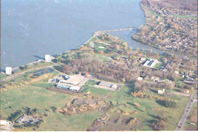 An aerial view of the King's Bridge area - Chippawa, Ont. (image/jpeg)