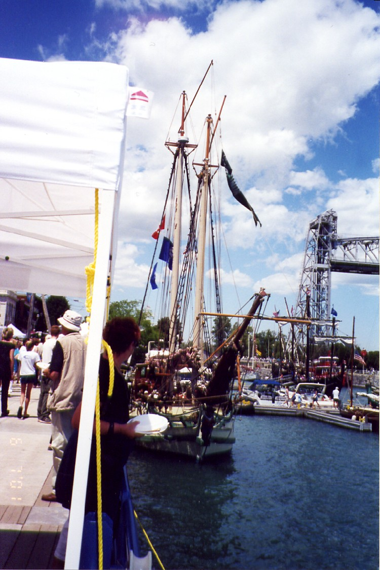 Welland Ship Canal - Tall ships at Canal Days - Port Colborne (image/jpeg)