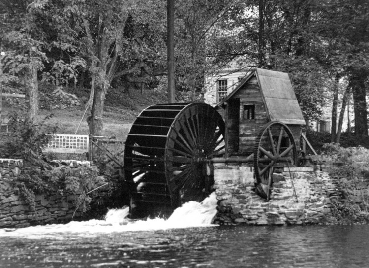 Typical water wheel of the early nineteenth century (image/jpeg)