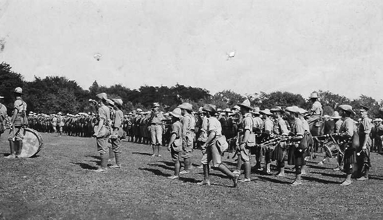 Canadian Expeditionary Forces on Route March Leaving Queenston Heights for Camp Niagara (image/jpeg)