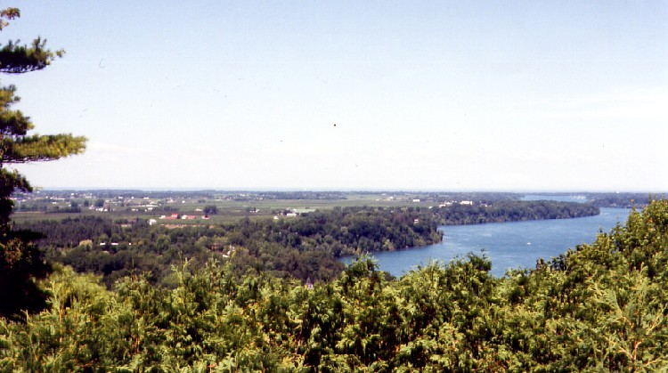 View from Queenston Heights - Lower Niagara River toward Lake Ontario (image/jpeg)