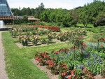 (Thumbnail) Floral gardens at Niagara Parks Commission Greenhouse in Queen Victoria Park (image/jpeg)