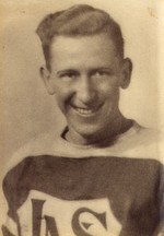 (Thumbnail) Niagara Falls Sports Wall of Fame - Doug Walter Boston Athlete Hockey 1900 - 1950 era (image/jpeg)