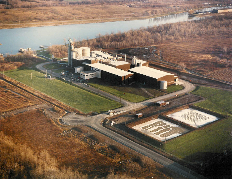 Aerial View of the Canadian Starch Factory in Port Colborne, Ontario (image/jpeg)