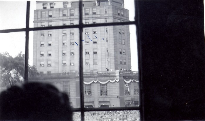 1939 Royal Tour - King George VI & Queen Elizabeth on balcony of the Brock Hotel (image/jpeg)