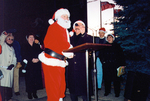 (Thumbnail) Christmas tree lighting ceremony at Centennial Square Niagara Falls City Hall (image/jpeg)