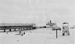 (Thumbnail) Crystal Beach - Canadiana in the Background (image/jpeg)
