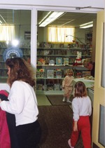 (Thumbnail) Children in the children's department of the Chippawa Branch Library (image/jpeg)
