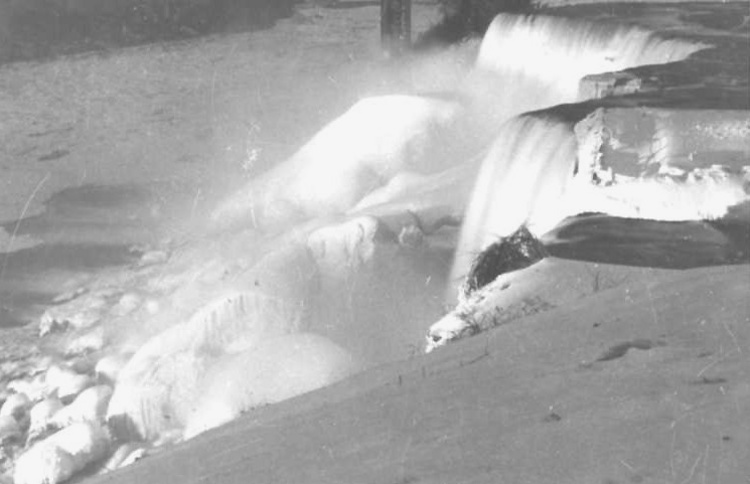 Brink of the Bridal and American Falls in Winter, from Goat Island (image/jpeg)