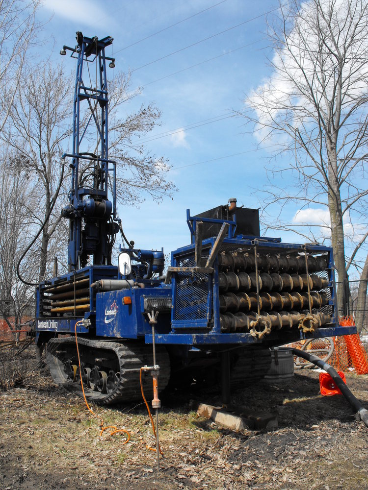 Niagara Tunnel Project - An auger used to install air intake units. (image/jpeg)