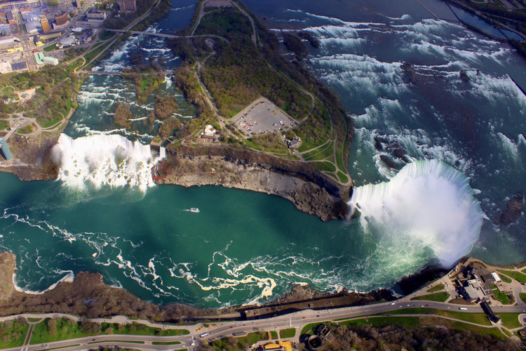 Aerial View of the Niagara River, the Horseshoe Falls, the American Falls and Goat island (image/jpeg)