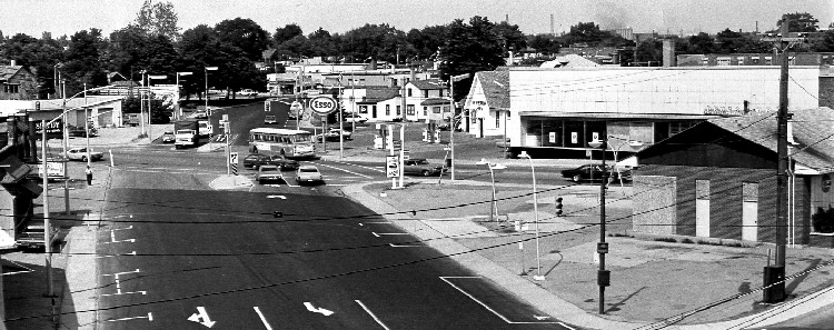 1975 view of the intersection of Victoria Ave, Valley Way and Queen St (image/jpeg)