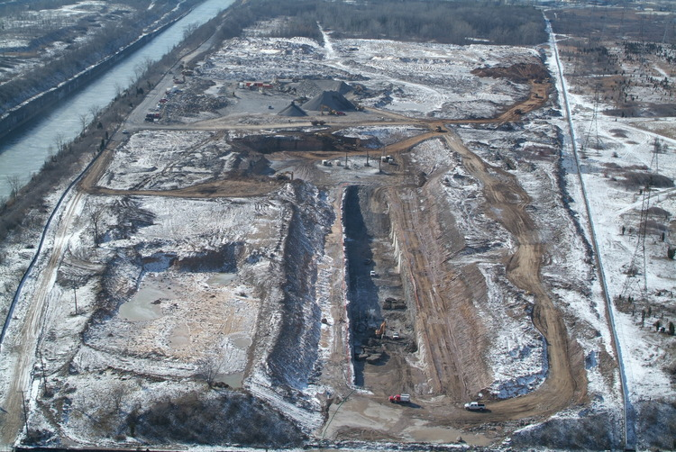 Niagara Tunnel Project - Ariel view of the tunnel outlet during excavation. (image/jpeg)