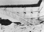 (Thumbnail) Action Shot of Collapse of Upper Steel Arch Bridge (image/jpeg)